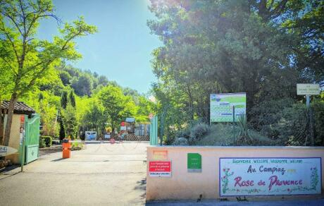 The main alley at the Camping Rose de Provence - Verdon***