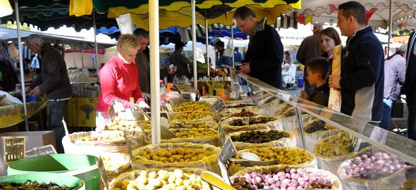Provençal markets: Riez-la-Romaine
