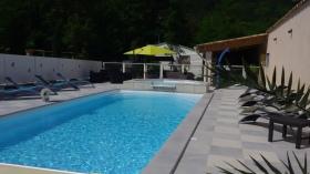 piscine chauffée grand bassin Camping de Provence Riez